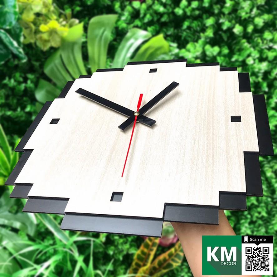 Đồng hồ treo tường decor phong cách pixel bằng gỗ cắt laser | Pixel KMDH04