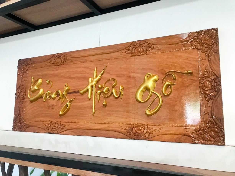Bảng hiệu gỗ khắc 3D CNC